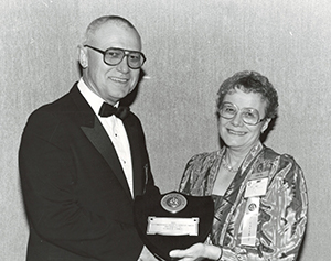 Elinor Linney, P.Eng., recieving an award from the Instrument Society of America (ISA) in 1985